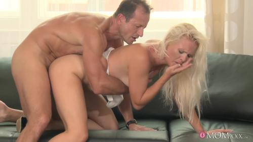 215427501_dj-12-11-30-blonde-milf-is-desperate-for-a-real-man-s-cock-mp4-6 AV Sexyhub dj.12.11.30.blonde-milf-is-desperate-for-a-real-man-s-cock