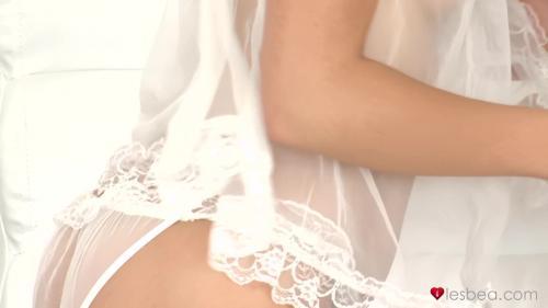 AV Sexyhub dj.12.10.10.lesbian-licking-and-teasing-in-lingerie
