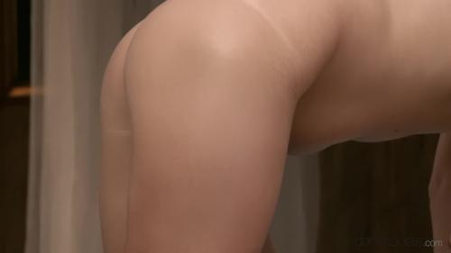 AV Sexyhub dj.12.10.07.masseur-gives-hot-brunette-his-cumshot