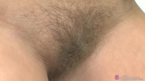 AV Sexyhub dj.12.09.18.milf-shaves-her-hairy-pussy-for-easy-access - Girlsdelta