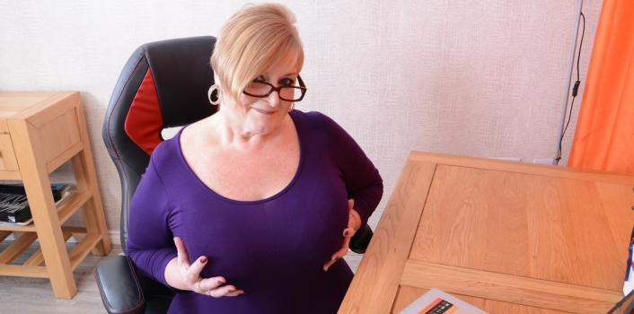 Mature.nl- Blonde curvy mature secretary with big natural tits