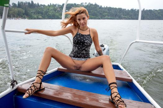 Watch 4 Beauty - Agatha Vega
