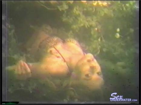 Sexunderwater.com- A Lady in a Lake