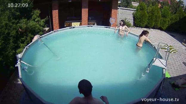 Voyeur-house.tv- Girls swimming topless june 30