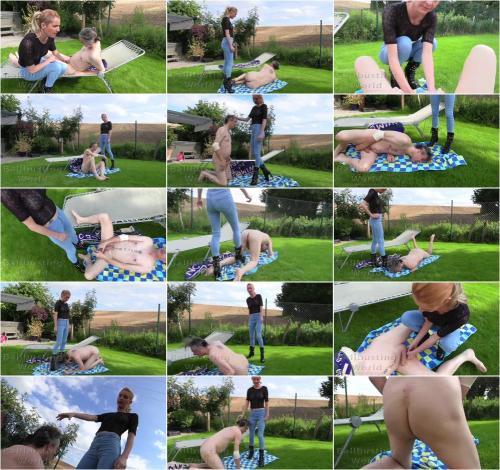 Ballbustingworld - Bb1487 : Ballbusted On The Lawn [FullHD 1080P]