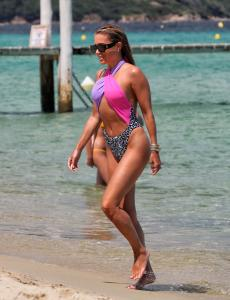sylvie-meis-in-a-vintage-swimsuit-in-saint-tropez-06-11-2021-18.jpg