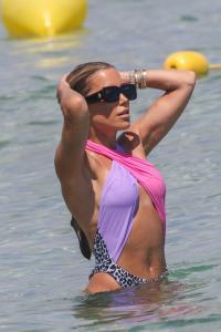 sylvie-meis-in-a-vintage-swimsuit-in-saint-tropez-06-11-2021-3.jpg