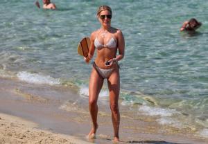 sylvie-meis-in-a-bikini-at-a-saint-tropez-beach-06-10-2021-17.jpg
