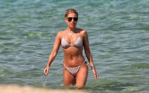 sylvie-meis-in-a-bikini-at-a-saint-tropez-beach-06-10-2021-7.jpg