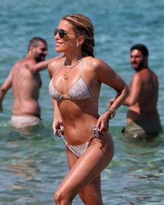 sylvie-meis-in-a-bikini-at-a-saint-tropez-beach-06-10-2021-1.jpg